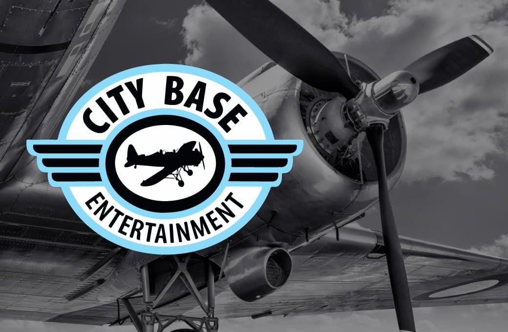 logo with plane